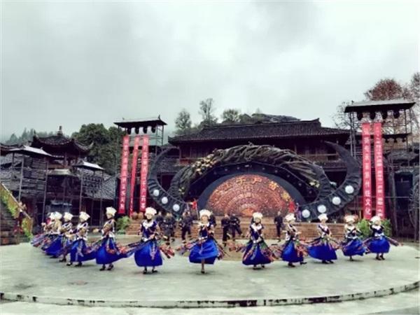 贵州-黄果树瀑布、荔波大小七孔、西江千户苗寨5日游
