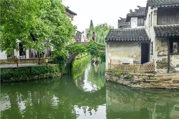华东五市+拈花湾+乌镇周庄+盐官观潮双高六日游
